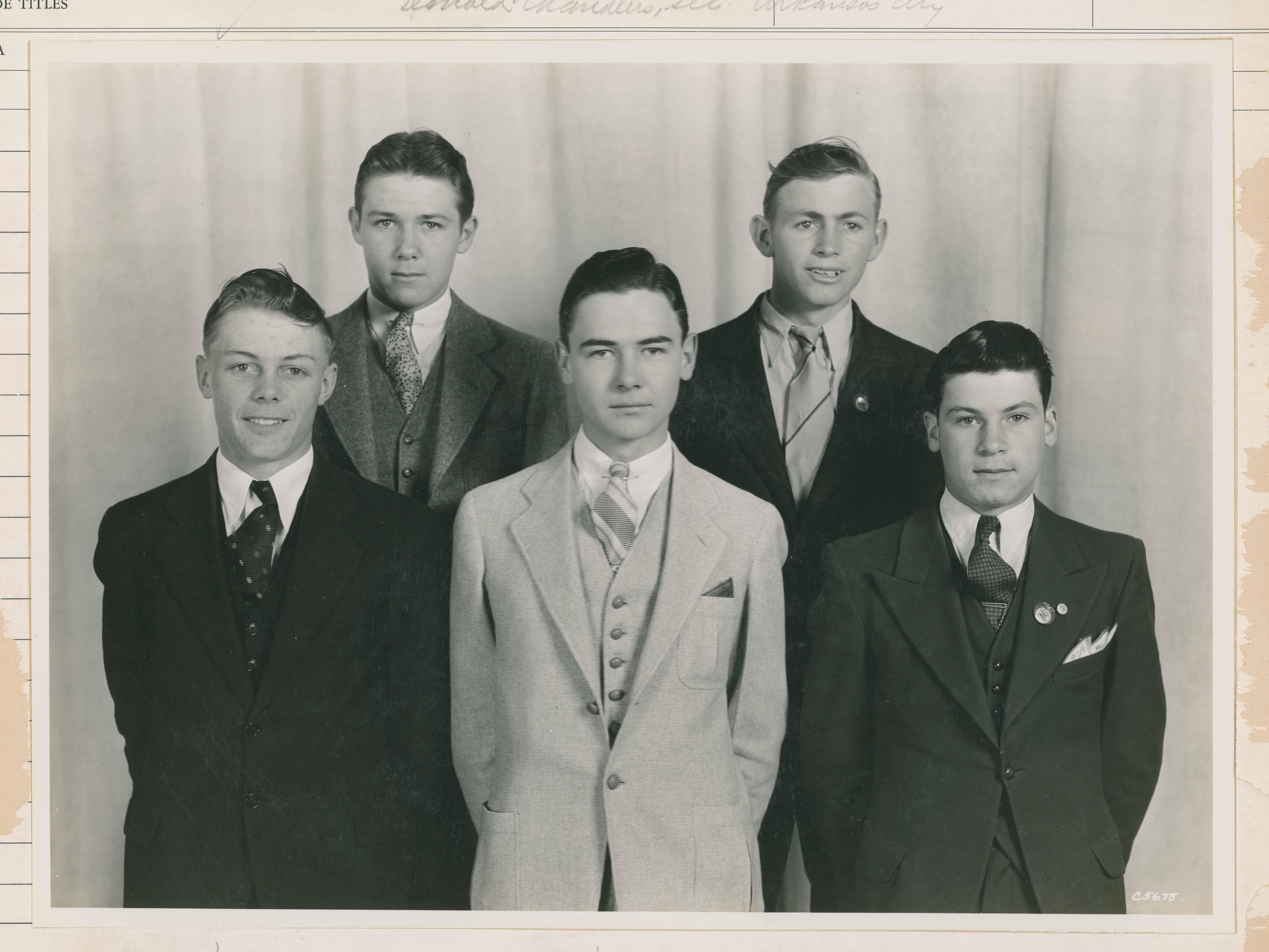 1935 1936